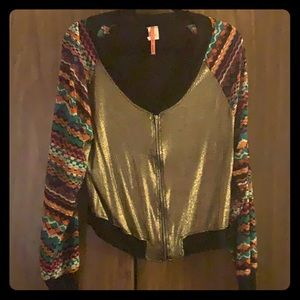 Tops - A blouse